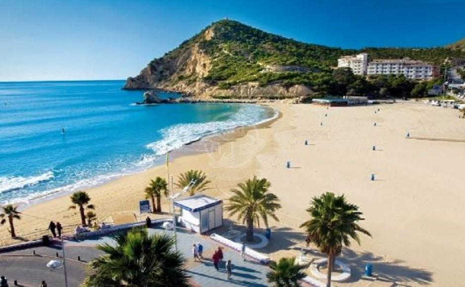 2020-03-30 11_31_30-Playa de Finestrat, Costa Blanca- Alicante _ Turisbox