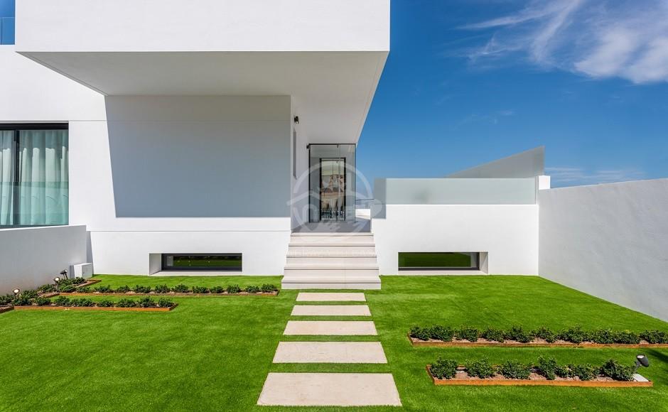 3 - Venecia III - Front garden