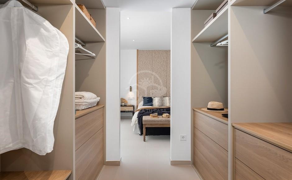 34- Venecia III - First Bedroom suite Dressing 2