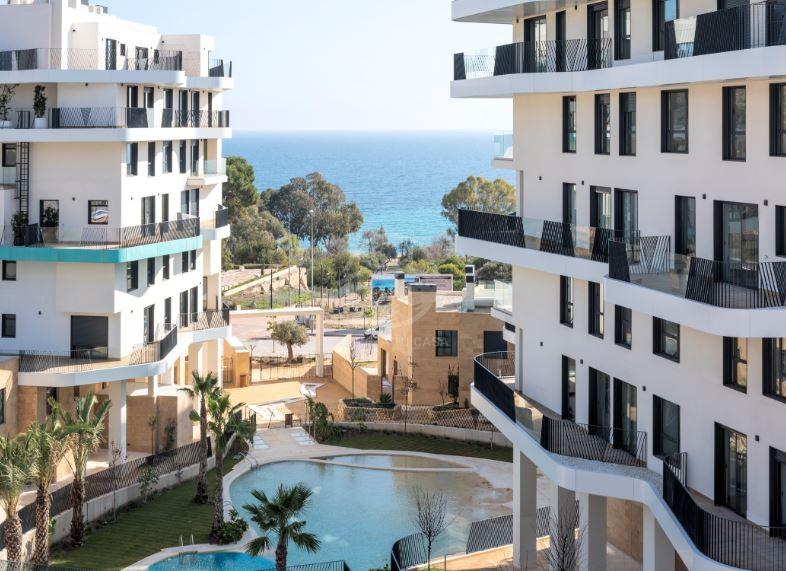 Aqua Luxurious Firstline Apartments